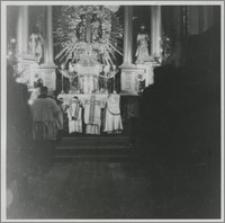 [Inauguracja roku akademickiego 1945 / 1946 na Uniwersytecie Mikołaja Kopernika w Toruniu msza inauguracyjna w Kościele N.M. Panny]