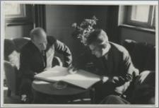 [Uniwersytet Mikołaja Kopernika w Toruniu wizyta radzieckiego pianisty Serebriakova w 1950 r.]