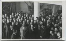 [Biblioteka Uniwersytecka w Toruniu: wizyta Ministra Adama Rapackiego w 1951 roku]
