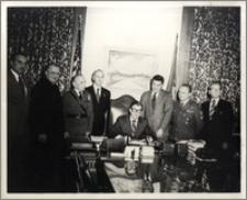 Ceremonia podpisania proklamacji Dnia Niepodległości Państwa Polskiego w dn. 11 XI 1973 r.