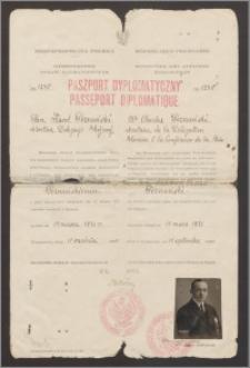 Paszport dyplomatyczny Karola Poznańskiego (sekretarza polskiej delegacji pokojowej na Konferencji w Rydze)