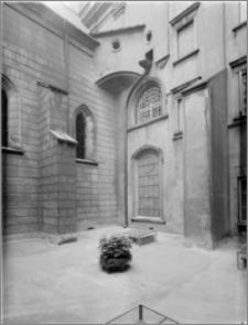 Częstochowa. Klasztor oo. Paulinów na Jasnej Górze. Zewnętrzna ściana Kaplicy Najświętszej Marii Panny