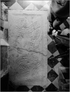 Frombork [Katedra Wniebowzięcia Najświętszej Marii Panny i św. Andrzeja, wnętrze, płyta nagrobna]