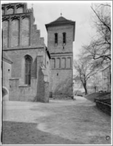 Bydgoszcz. Katedra św. Marcina i Mikołaja. Wieża od strony zachodniej