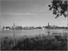 Chełmża. Panorama miasta od strony jeziora