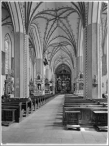 Chełmża. Kościół Parafialny Św. Trójcy [ob. Konkatedra Św. Trójcy]. Wnętrze-nawa główna