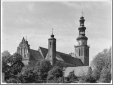 Chełmża. Kościół Parafialny Św. Trójcy [ob. Konkatedra Św. Trójcy]. Widok na dach i wieże