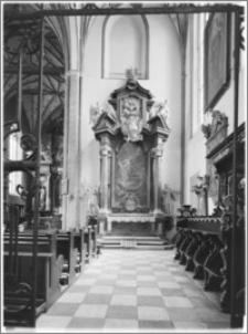 Chełmża. Kościół Parafialny Św. Trójcy [ob. Konkatedra Św. Trójcy]. Ołtarz boczny na zwieńczeniu nawy południowej