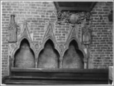 Chełmża. Kościół Parafialny Św. Trójcy [ob. Konkatedra Św. Trójcy]. Wnętrze-stalle w prezbiterium
