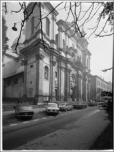 Kraków [Kościół pw. św. Anny – elewacja frontowa, sztukateria autorstwa Baltazara Fontany]