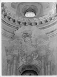 Kraków. Kościół pijarów Przemienienia Pańskiego. Wnętrze. Polichromia na ścianie prezbiterium za ołtarzem aut. Franciszka Ecksteina