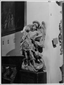Kraków. Kościół św. Marka. Wnętrze. Rzeźba św. Jerzego