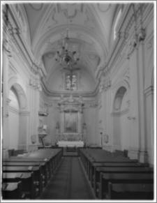 Kraków. Kościół ewangelicki św. Marcina. Wnętrze-widok na ołtarz główny