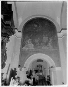 Kraków. Wnętrze kościoła. Obraz w nawie bocznej