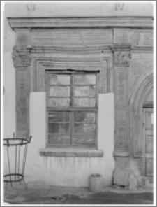 Chojnów. Kamienica Schramma, portal - fragment