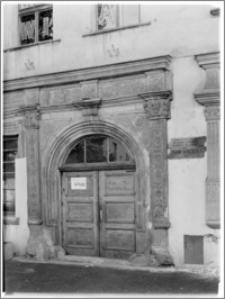Chojnów. Kamienica Schramma, portal