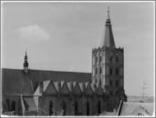 Chełmno. Fara-kościół Wniebowzięcia NMP. Widok z wieży ratusza