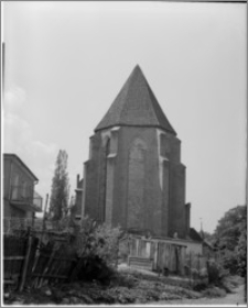 Chełmno. Kościół dominikanów śś. apostołów Piotra i Pawła. Widok prezbiterium od wschodu