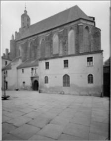 Chełmno. Kościół śś. Jana Apostoła i Jana Ewangelisty (dawny kościół benedyktynek). Widok od strony południowo-wschodniej