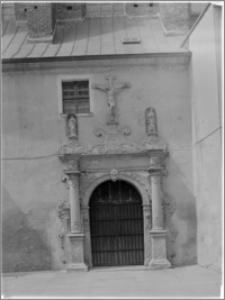 Chełmno. Kościół śś. Jana Apostoła i Jana Ewangelisty (dawny kościół benedyktynek). Portal południowy