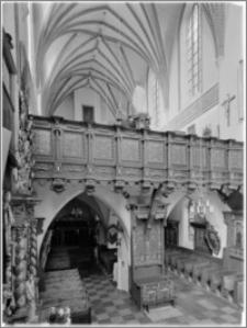 Chełmno. Kościół śś. Jana Apostoła i Jana Ewangelisty (dawny kościół benedyktynek). Widok od ołtarza głównego