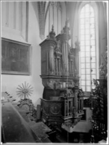 Chełmno. Kościół śś. Jana Apostoła i Jana Ewangelisty (dawny kościół benedyktynek). Wnętrze-organy