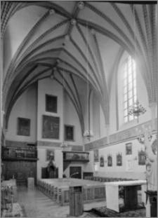 Chełmno. Kościół śś. Jana Apostoła i Jana Ewangelisty (dawny kościół benedyktynek). Wnętrze-empora