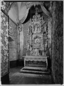 Chełmno. Fara- kościół Wniebowzięcia NMP. Wnętrze-ołtarz w kaplicy Bożego Ciała na zamknięciu nawy południowej