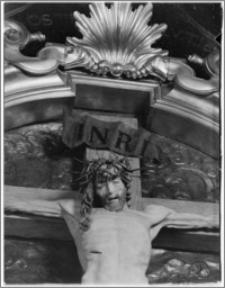 Kraków. Kościół Wniebowzięcia NMP (Bazylika Mariacka). Wnętrze. Krucyfiks Wita Stwosza w ołtarzu w nawie południowej-fragment