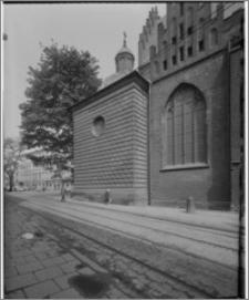 Kraków. Kościół dominikanów Św. Trójcy. Kaplica Lubomirskich-widok z zewnątrz