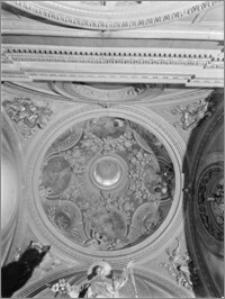 Kraków. Kościół dominikanów Św. Trójcy. Kaplica św. Jacka. Wnętrze-widok na kopułę od wewnątrz