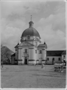 Warszawa. Kościół Sakramentek pw. Św. Kazimierza - elewacja zachodnia