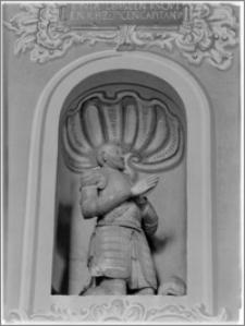 Rzeszów. Kościół oo. Bernardynów. Bazylika Wniebowzięcia Najświętszej Marii Panny. Mauzoleum Ligęzów w prezbiterium