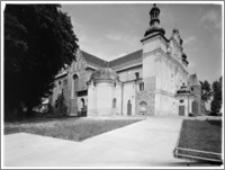 Strzelno. Bazylika św. Trójcy i Najświętszej Marii Panny. Widok od strony południowo-zachodniej