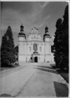Strzelno. Bazylika św. Trójcy i Najświętszej Marii Panny. Elewacja od strony zachodniej