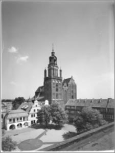 Stargard Szczeciński. Kościół parafialny [ob. Kolegiata NMP Królowej Świata]. Widok od strony północno-zachodniej