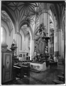 Reszel. Kościół parafialny św. Apostołów Piotra i Pawła. Wnętrze. Ołtarz boczny