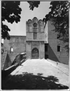 Szymbark (województwo olsztyńskie). Zamek. Strona wschodnia-brama wjazdowa