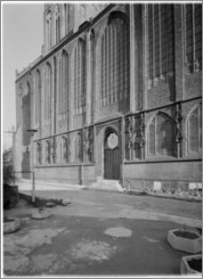Szczecin. Katedra [ob. Bazylika archikatedralna św. Jakuba]. Widok na elewację południową