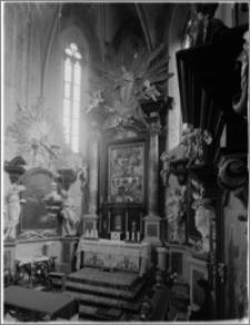 Stary Sącz. Kościół klarysek św. Trójcy i św. Klary. Wnętrze. Widok na prezbiterium i ołtarz główny