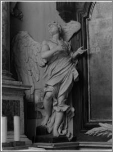 Stary Sącz. Kościół klarysek św. Trójcy i św. Klary. Wnętrze. Figura anioła z bocznego ołtarza