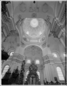 Sieraków – Kościół Pobernardyński Najświętszej Maryi Panny Niepokalanie Poczętej [widok na ścianę płn. transeptu]