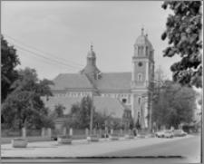 Sieraków – Kościół Pobernardyński Najświętszej Maryi Panny Niepokalanie Poczętej [widok ogólny od strony płd.]