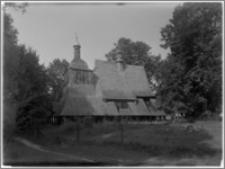Sękowa – Kościół drewniany pw. św. Filipa i św. Jakuba [widok od strony płd.-zach.]
