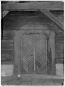 Sękowa – Kościół drewniany pw. św. Filipa i św. Jakuba [portal]
