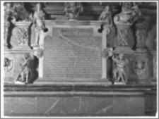 Tarnów – Bazylika katedralna Narodzenia Najświętszej Maryi Panny [fragment nagrobka Janusza i Zuzanny Ostrogskich]