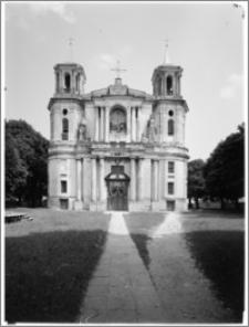 Tarłów – kościół parafialny pw. Świętej Trójcy [elewacja zachodnia]