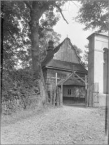 Szymbark (powiat gorlicki). Kościół św. Wojciecha. Widok od strony zachodniej
