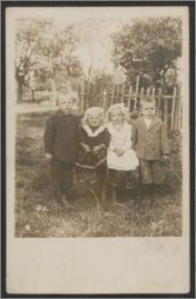 Stanisław Kiałka z siostrami i bratem