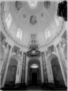 Klimontów [Kościół parafialny pw. św. Józefa – widok ogólny w stronę chóru muzycznego]